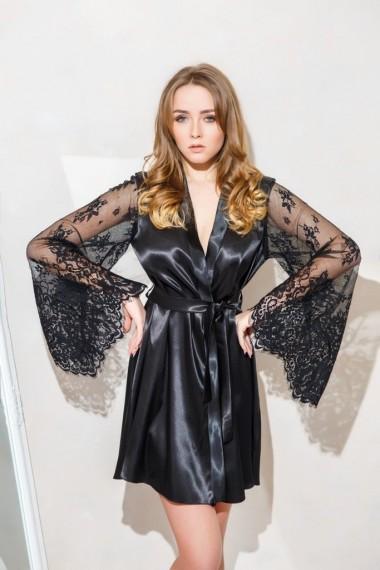 атласный халат с широким кружевным рукавом черный