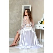 Довгий халат з мереживною спинкою в білому кольорі 1331
