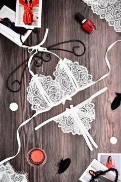 Кружевной комплект эротического белья лиф и стринги с разрезами Белый 1159