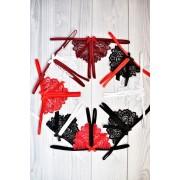 Соблазнительные кружевные стринги с разрезом Черно-красные 1171